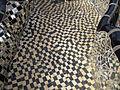 Niki de saint-phalle, giardino dei tarocchi, la torre, pattern pavimento terrazza.JPG