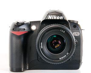 Nikon D70 - Image: Nikon D70 with 35mm f 2