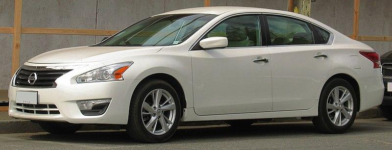 Nissan Altima 2.5 SV 2013 (14253554427).jpg