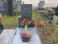 Oldřich Nejedlý hrob.JPG