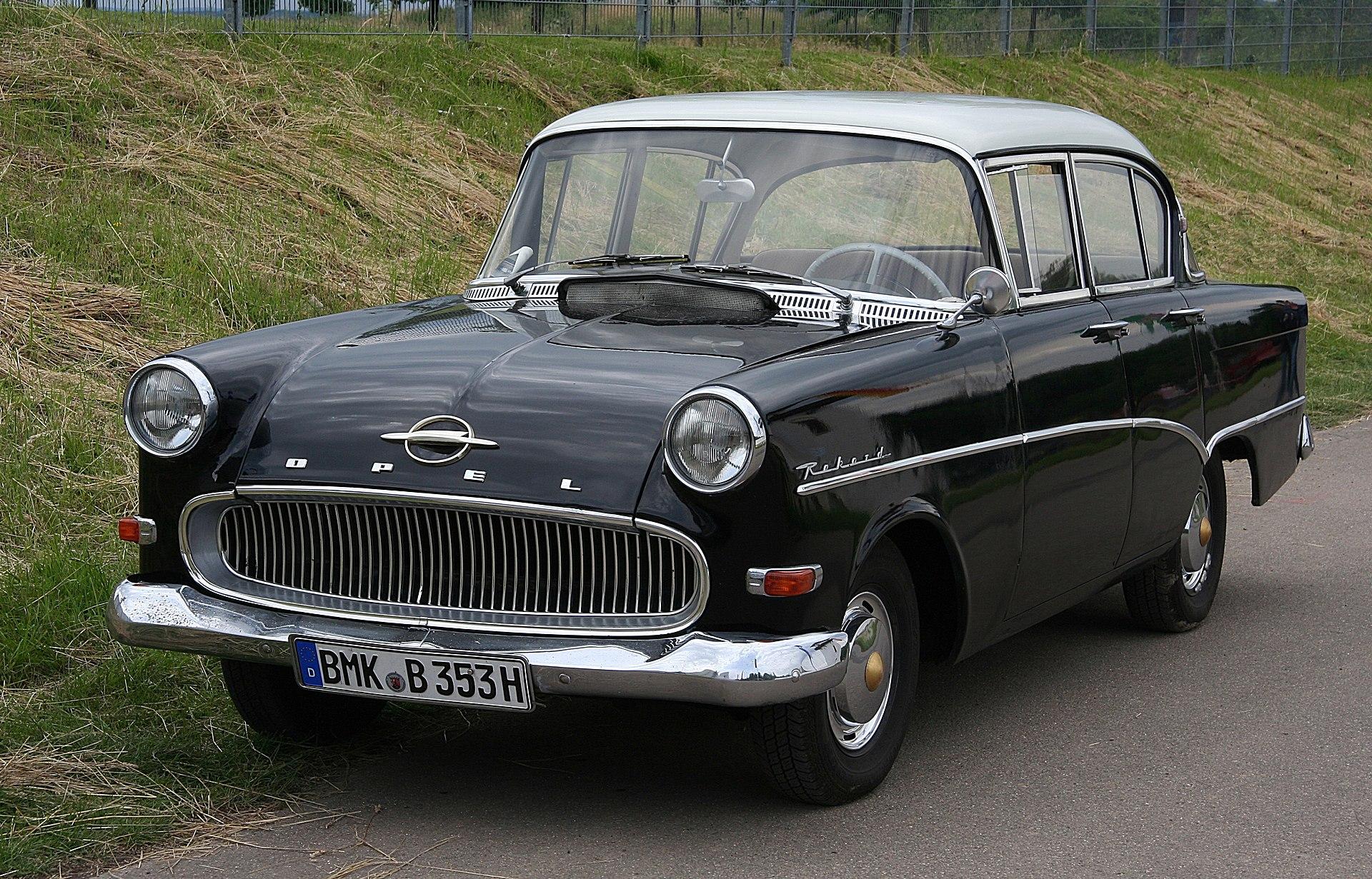 1920px-Opel_Rekord_1700_P1_%282008-06-14%29_ret.jpg
