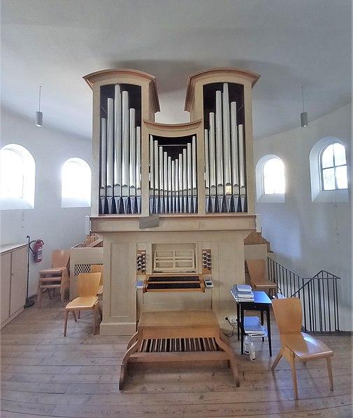 Datei:Ottobrunn, Kath. St. Otto (Kerssenbrock-Orgel, Prospekt) (4).jpg