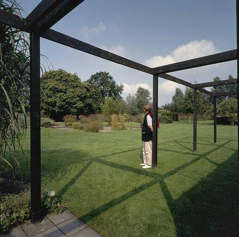 File overzicht van tuin met pergola dedemsvaart 20351827 wikimedia commons - Omslag van pergola ...