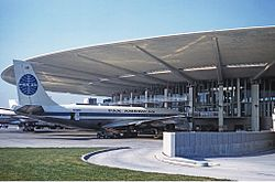 Pan Am Boeing 707-100 at JFK 1961 Proctor.jpg