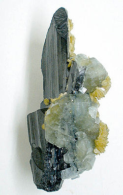 Fluorapatite on Ferberite