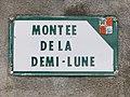 Panneau de la montée de la demi-lune (Beynost, Ain, France).jpg