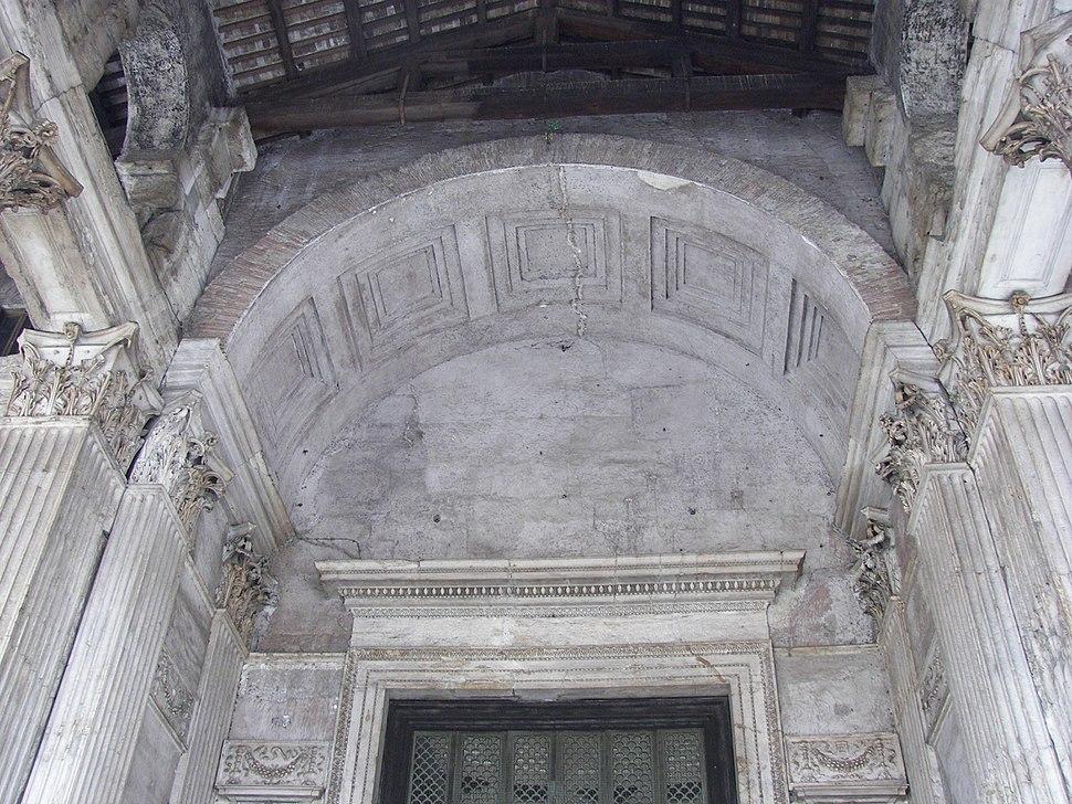 Pantheon (Rome) entrance arch