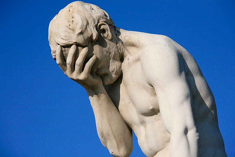 File:Paris Tuileries Garden Facepalm statue.jpg