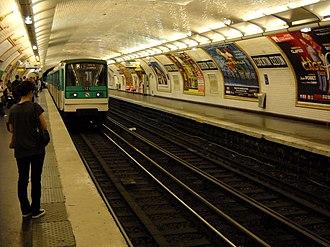 Corentin Celton (Paris Métro) - Image: Paris metro Corentin Celton 1
