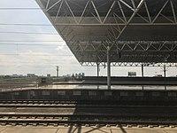 Platform of Hengyang East Station 5.jpg