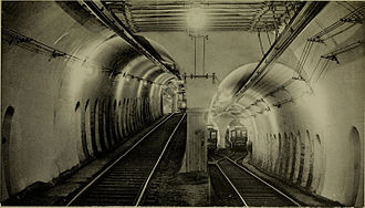 Tremont Street subway - A flying junction on the now-abandoned southern branch of the Tremont Street subway, south of Boylston station, approaching the Pleasant Street Incline (1898 photo)