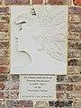 Pocahontas memorial, Syon Park 20200917 120830 (50351370438).jpg