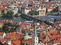 Praha, Karlův most z Hradčan - panoramio.jpg