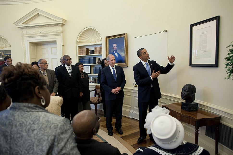 President Barack Obama views the Emancipation Proclamation in the Oval Office 2010-01-18