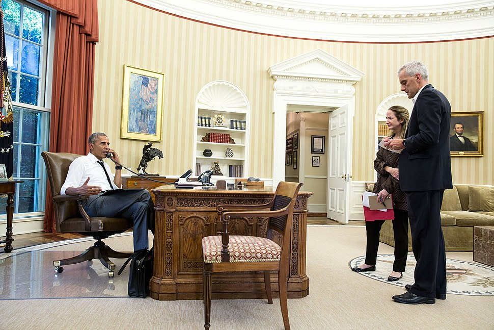 President Obama on the phone in the Oval Office with Secretary Kerry regarding the situation in Turkey (27716300004)