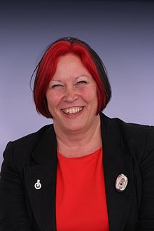 Professor Lesley Yellowlees portrait.jpg