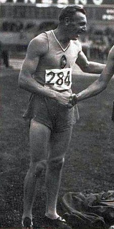 Prudent Joye, champion d'Europe du 400 mètres haies en 1938.jpg