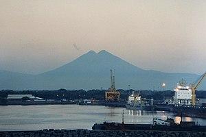 Puerto Quetzal - Puerto Quetzal seen at dawn, with the volcanoes on the horizon