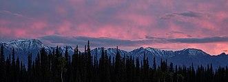 Puesta de sol, Tok, Alaska, Estados Unidos, 2017-08-28, DD 186-188 HDR.jpg
