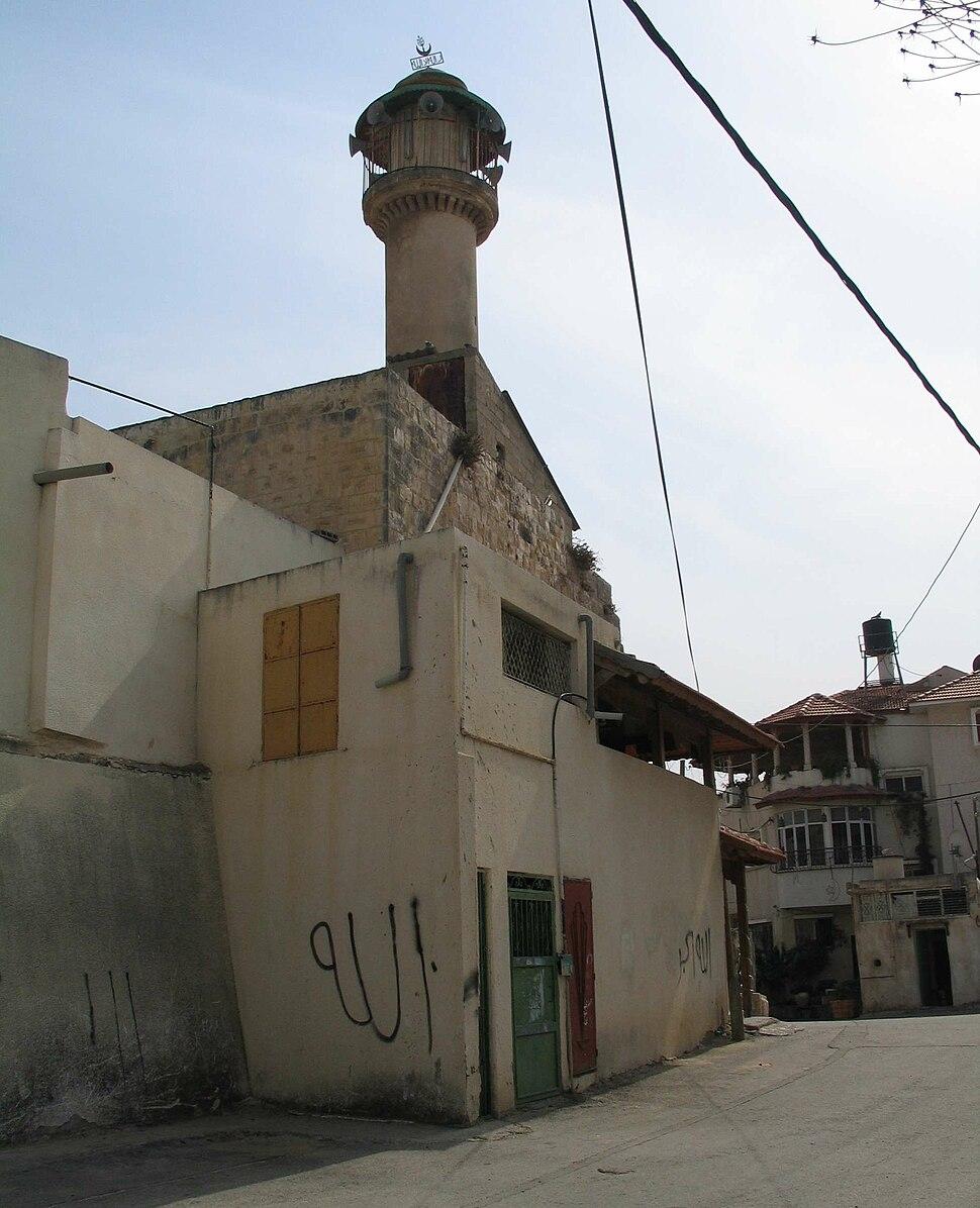 מסגד הבנוי על בסיס אולם צלבני בקלנסווה