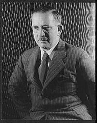 Ralph Bates (1938).jpg