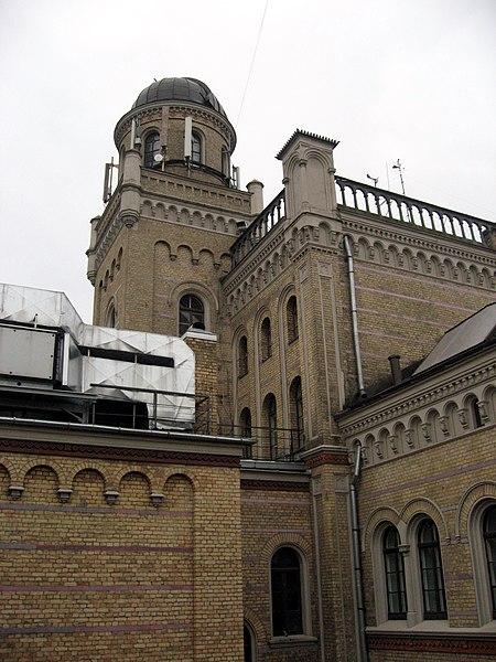 File:Riga-Lotyšská univerzita-hlavní budova.jpg
