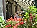 """Ristorante""""Locanda Mario"""",mangiare e bere nel giardino in fiore - panoramio.jpg"""