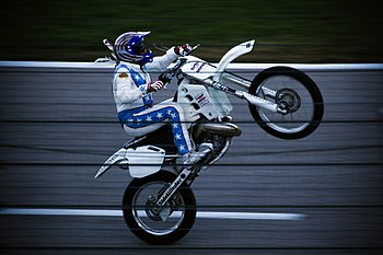 Kaptain Robbie Knievel showing off before the ...