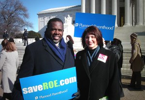 United States pro-choice movement - Albert Wynn and Gloria Feldt on the steps of the U.S. Supreme Court to rally for legal abortion on the anniversary of Roe v. Wade