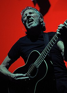 Roger Waters - The Wall in Ottawa (7451690376).jpg