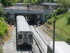 Rosedale station (Toronto) - Tracks in open cut north of the station