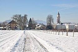 Rosegg Ortsansicht mit Pfarrkirche hl. Michael und Marktgemeindeamt 31122010 6184.jpg
