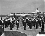 Rotterdam opgenomen in de luchtlijn Amsterdam Londen, KLM Harmonie verwelkomt de, Bestanddeelnr 910-7896.jpg