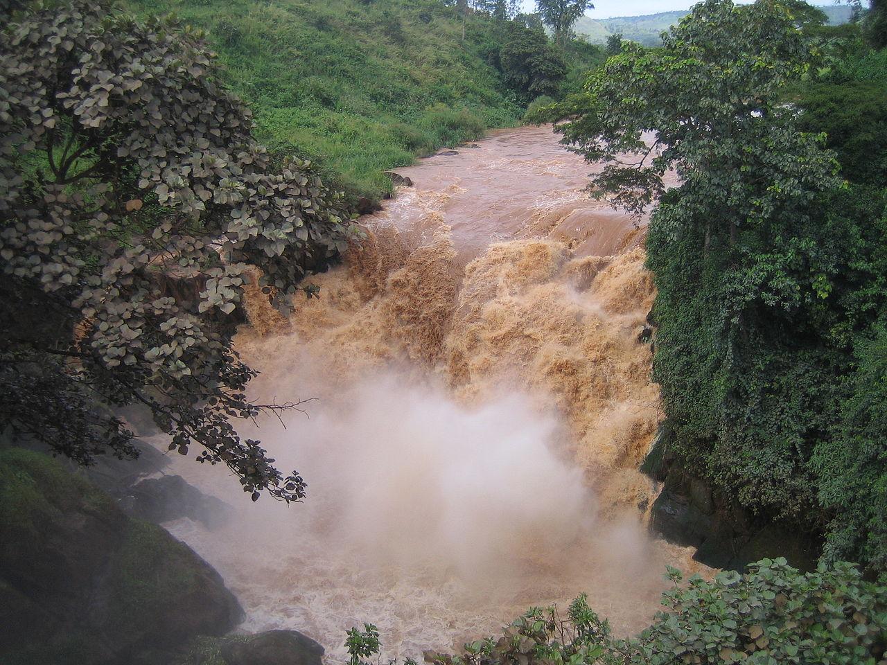 пограничные водопады африки