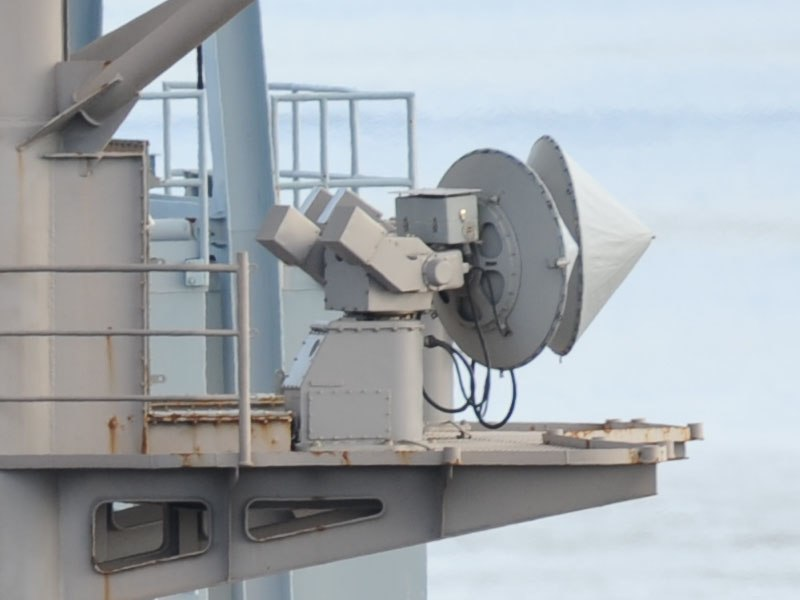 SPN-46 Radar USS Ronald Reagan (CVN-76) 2012-01-10 (cropped)