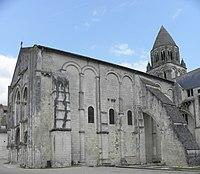 Saintes (17) Abbatiale Sainte-Marie aux Dames 01.JPG