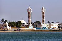 islam in senegal Islam is the predominant religion in senegal 92 percent of the country's  population is estimated to be muslim, mainly sunni of maliki school of thought  with sufi.