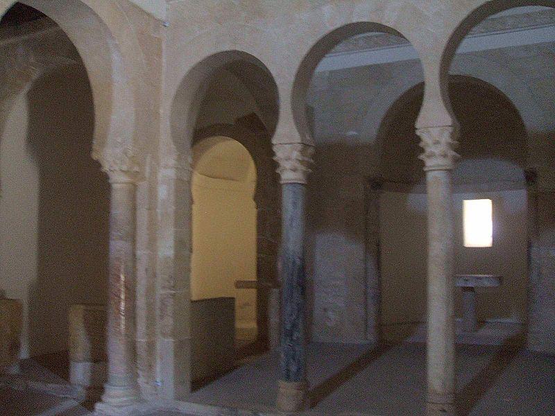 San Miguel de Escalada - Monasterio 4.JPG