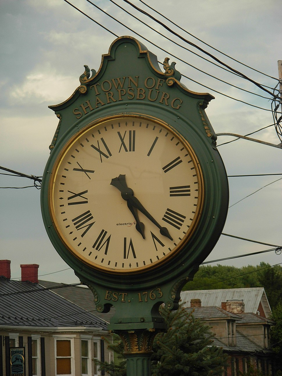 A street clock in downtown Sharpsburg in October 2007
