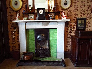 Tenement House (Glasgow) - Image: Sitting room fireplace The Tenement House, 145 Buccleuch Street, Garnethill, Glasgow (23489523061)