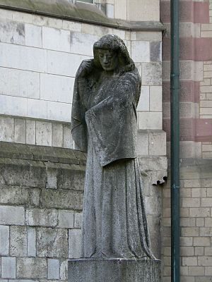 Gerhard Marcks - Image: Skulptur Die Trauernde Koeln 2007