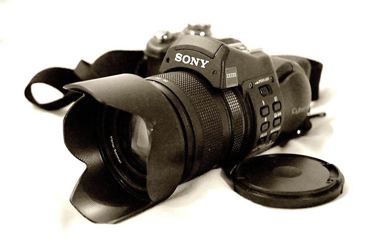 Sony DSC-F828 Digitalkamera 8 Megapixel