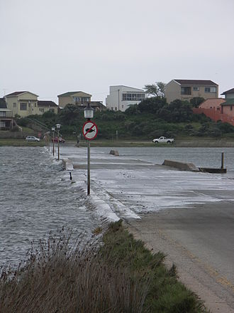 Kouga Local Municipality - Causeway over the Seekoei River between Aston Bay and Paradise Beach