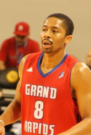 Spencer Dinwiddie - Dinwiddie with the Grand Rapids Drive in January 2016