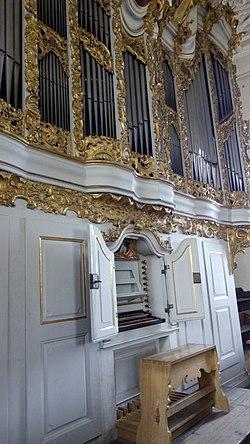 Spielschranl der Orgel St. Oswald, Regensburg.jpg