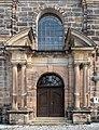St.Georgen Ordenskirche Eingang 3240022.jpg