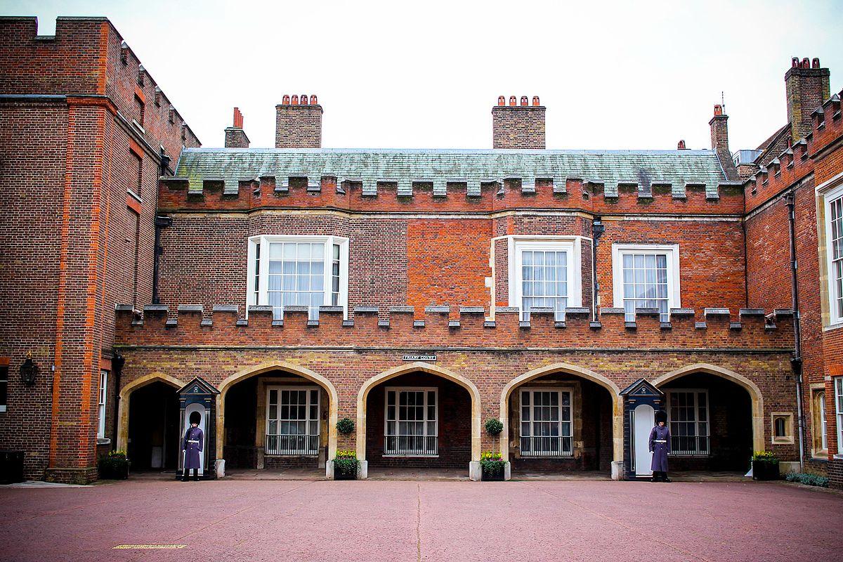 Friary Court - Wikipedia
