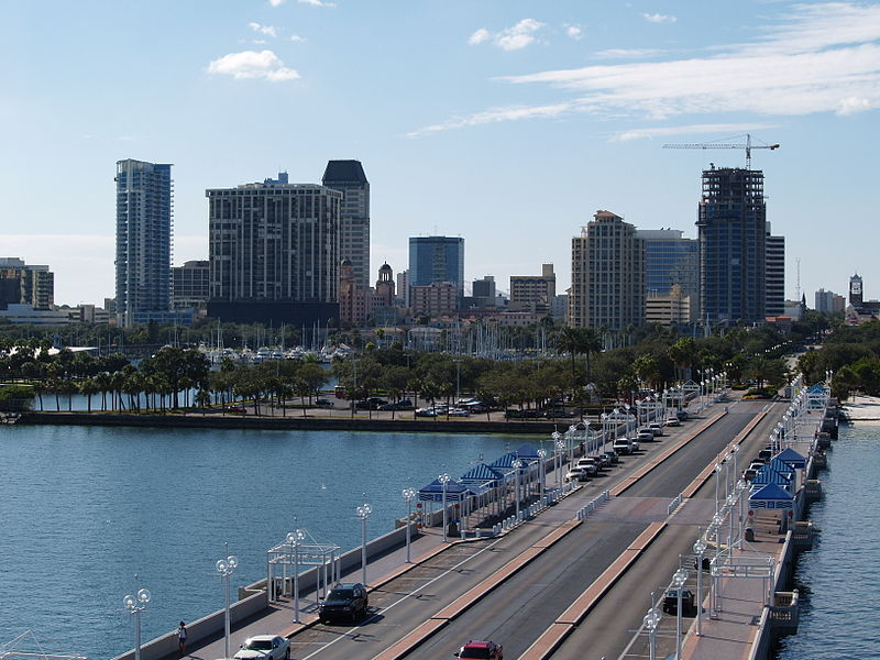 Archivo:St Pete Skyline from Pier.jpg