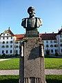 Statue von Prinz Wilhelm von Baden in Schloss Salem.jpg
