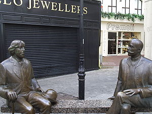 Eduard Vilde - Image: Statues of Wilde and Vilde in Galway